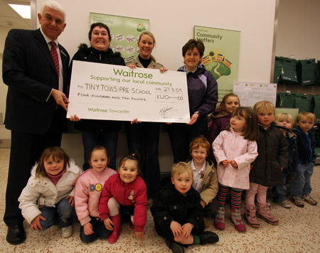 Paul Buddin presents the cheque for £410 to representatives from Tiny Tows Pre SchoolPaul Buddin presents the cheque for £410 to representatives from Tiny Tows Pre School